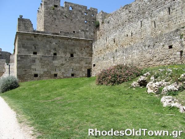 Rhodes-Moat-4