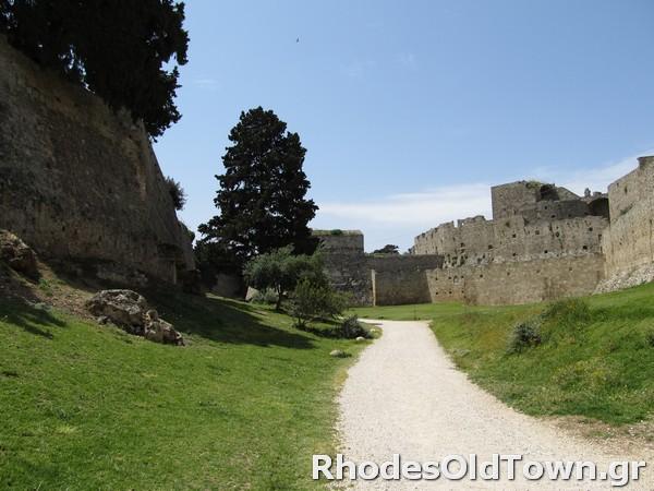 Rhodes-Moat-5