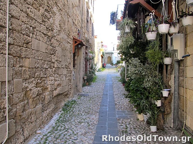 Dosiadou street (Δωσιάδου)
